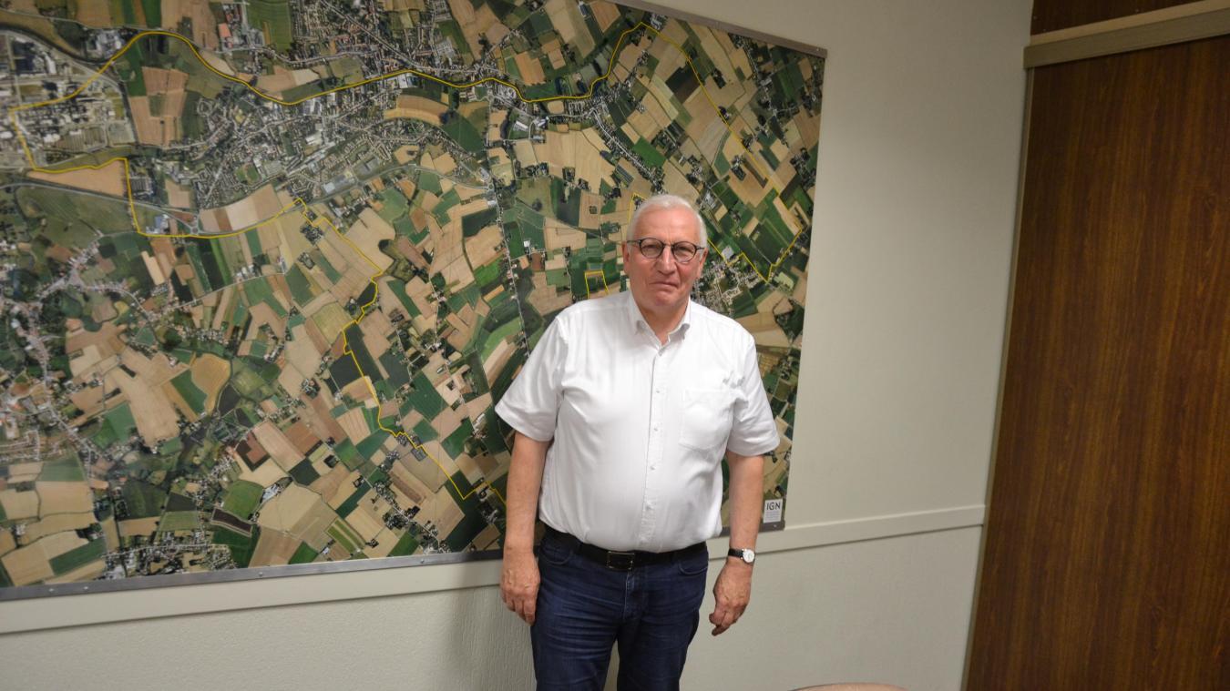 Philippe Mahieu, qui se dit perfectionniste, souhaite conserver l'écharpe de maire.