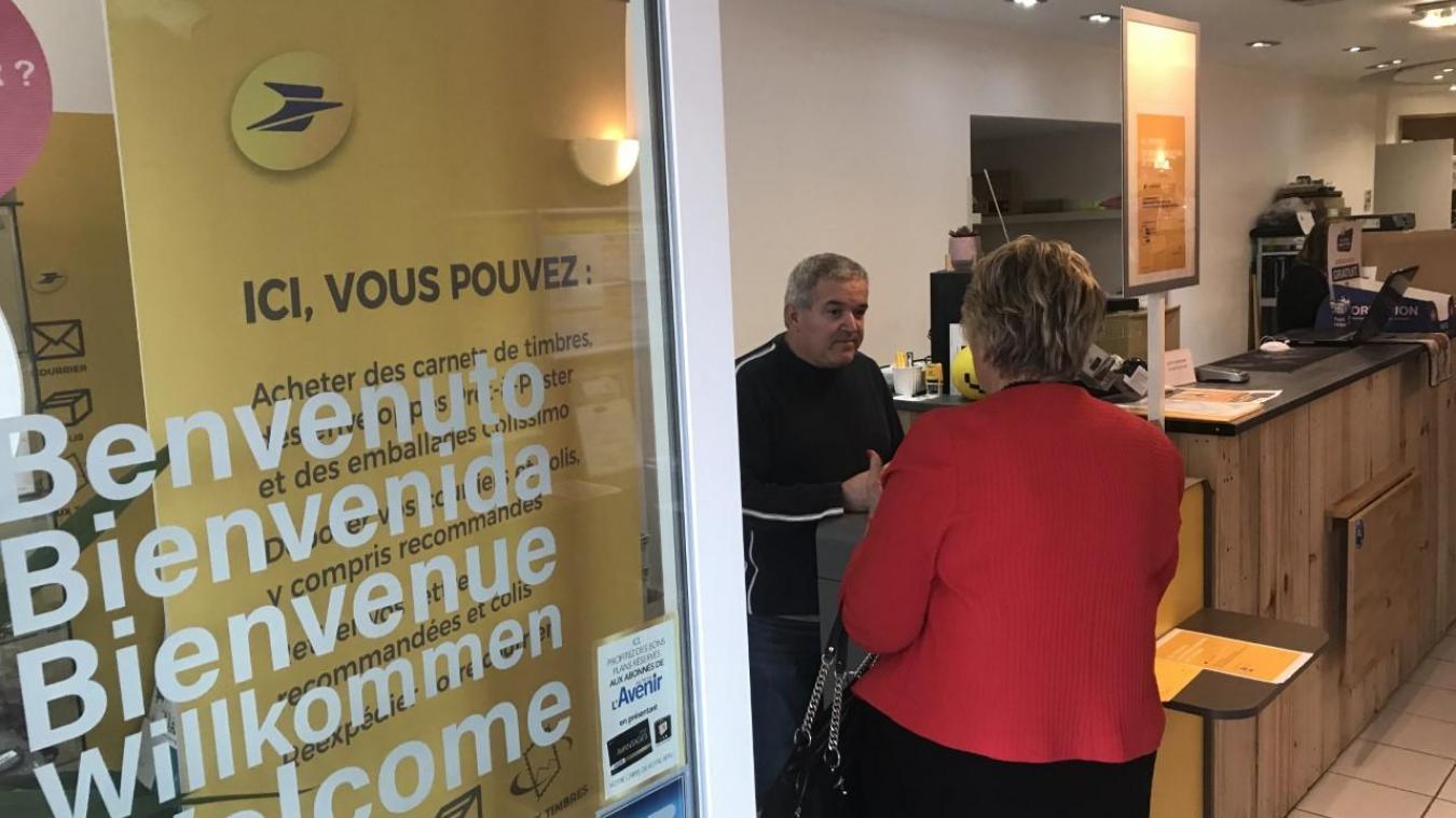 Laptop informatique, installé au 76 rue Saint-Aubert, accueille aujourd'hui un point relais de la Poste.