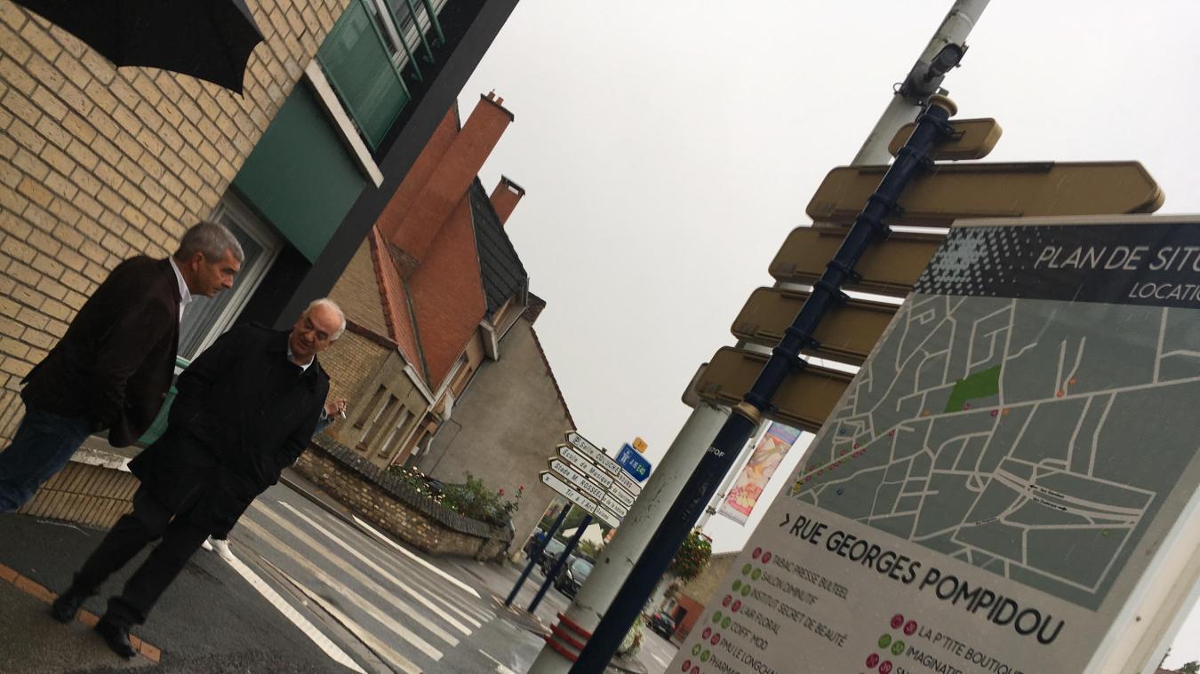 Rue Georges-Pompidou également, des caméras sont installées sur les mâts, proches du rond-point. L'un des lieux de passage les plus importants de la commune.