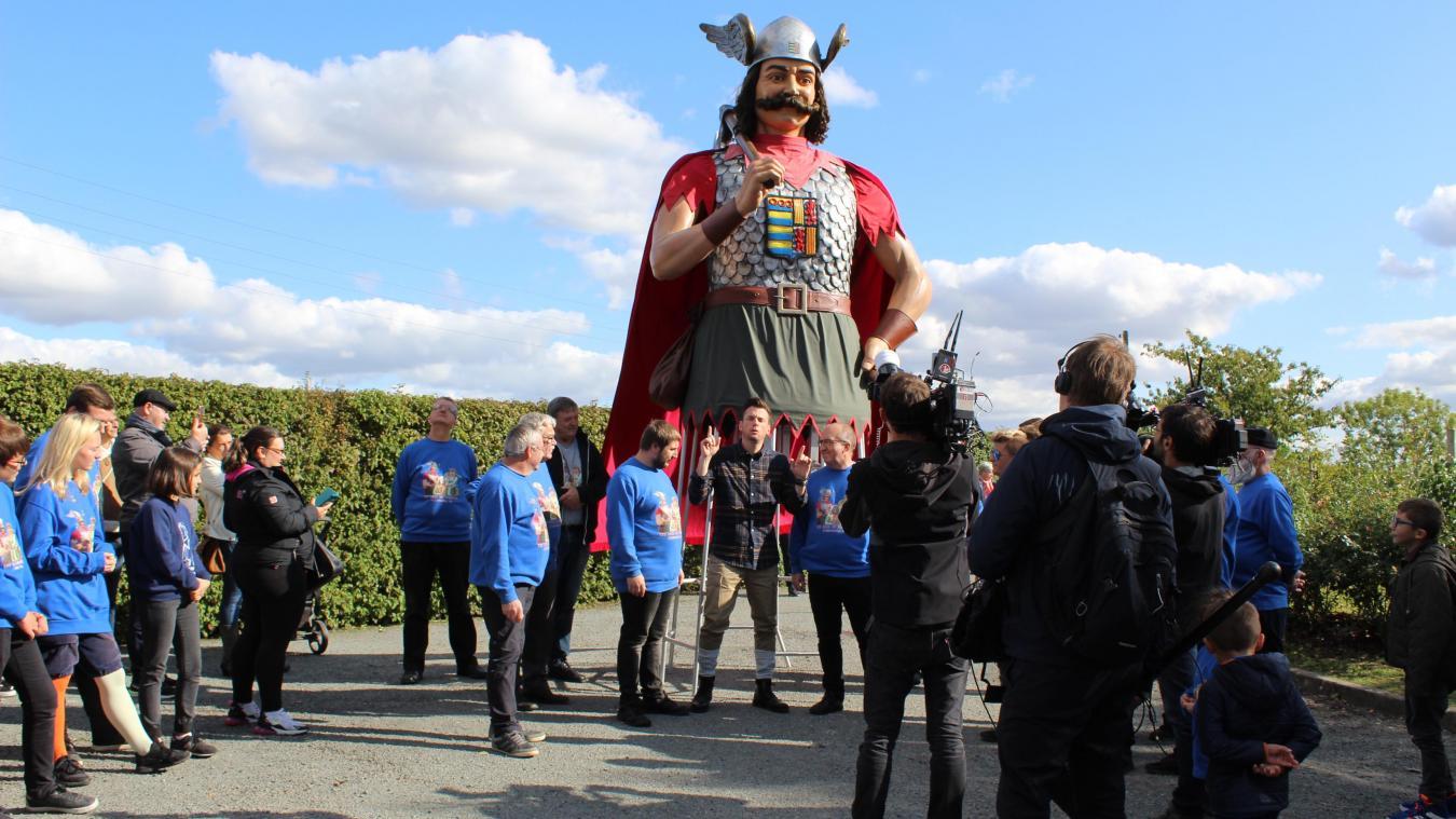 Le tournage de la nouvelle émission  La grande vadrouille de Norbert  a commencé par Steenvoorde pour l'épisode consacré aux Hauts-de-France.