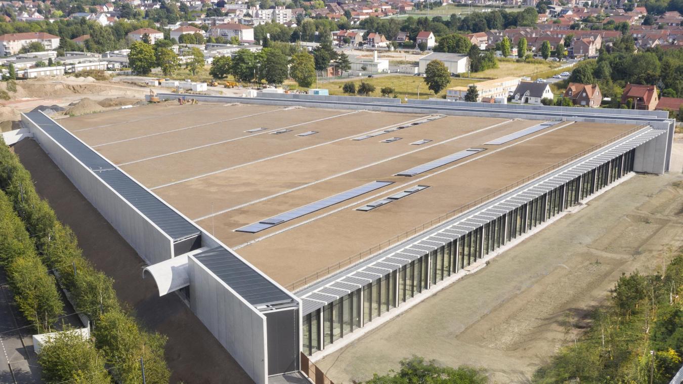 La surface du bâtiment fait 18 500m 2 , dont 9 600m 2  de réserves. (Architecte RSHP_Paysagiste Mutabilis Paysage et Urbanisme. JoasSouza Photographe)