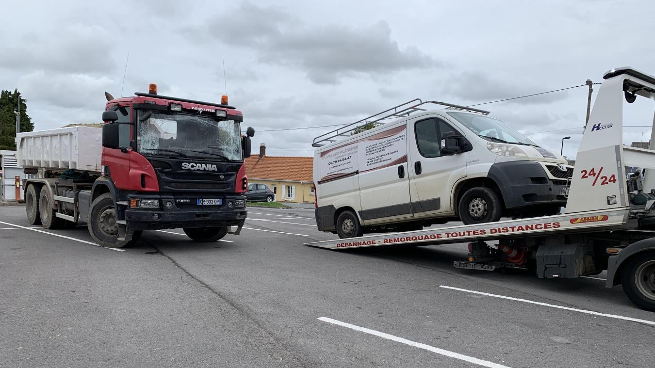 Les dépanneurs sont intervenus pour enlever un véhicule mais la circulation n'a pas été perturbée.