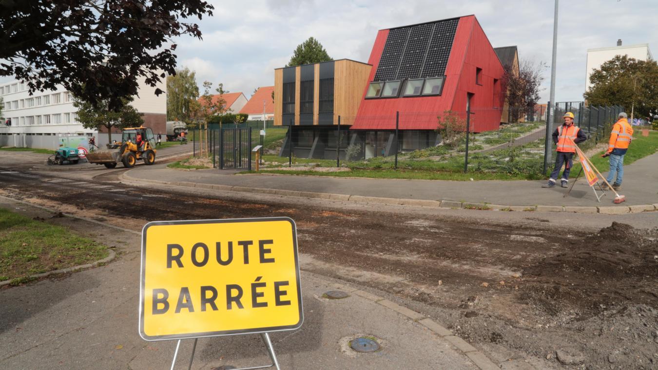 Depuis lundi, un chantier de rénovation de la rue neuve, dans le quartier de la Pierre Trouée, a débuté.