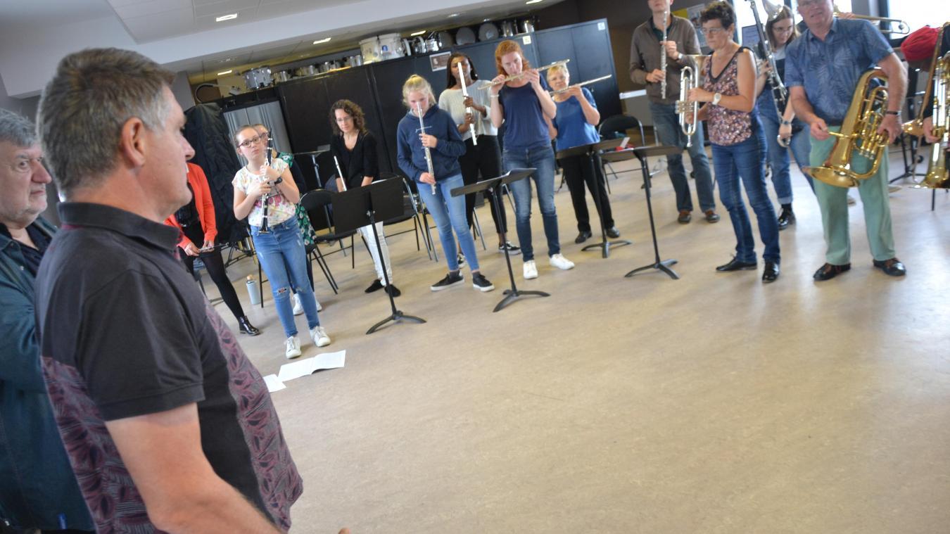 Les musiciens de l'Union musicale relèvent le défi de se mettre au théâtre. Ils présentent leur spectacle le 2 novembre.