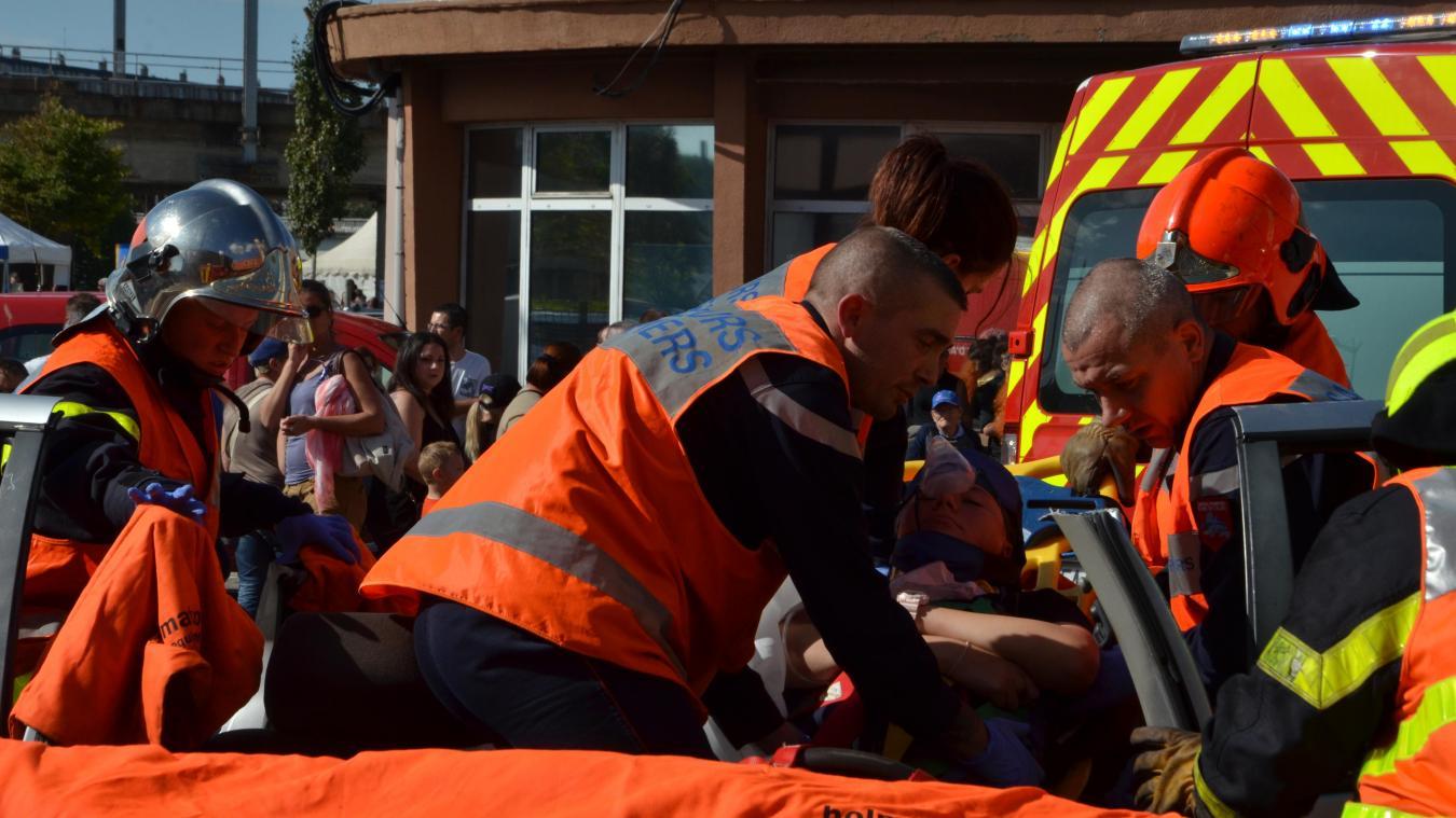 On compte 3 378 pompiers volontaires dans le Pas-de-Calais. Ce n'est pas leur métier. Ces personnes jonglent entre les gardes à la caserne et leur activité professionnelle... ou la recherche d'un emploi, pour 10 % d'entre eux (soit 260 personnes).