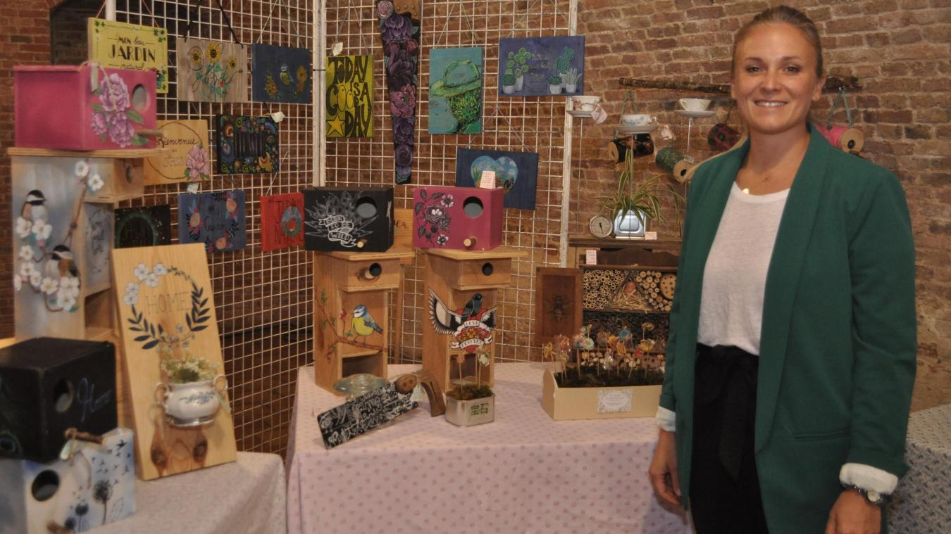 Barbara Buge réalise aussi bien des objets de décoration que des bijoux de plantes ou des hôtels à insectes.