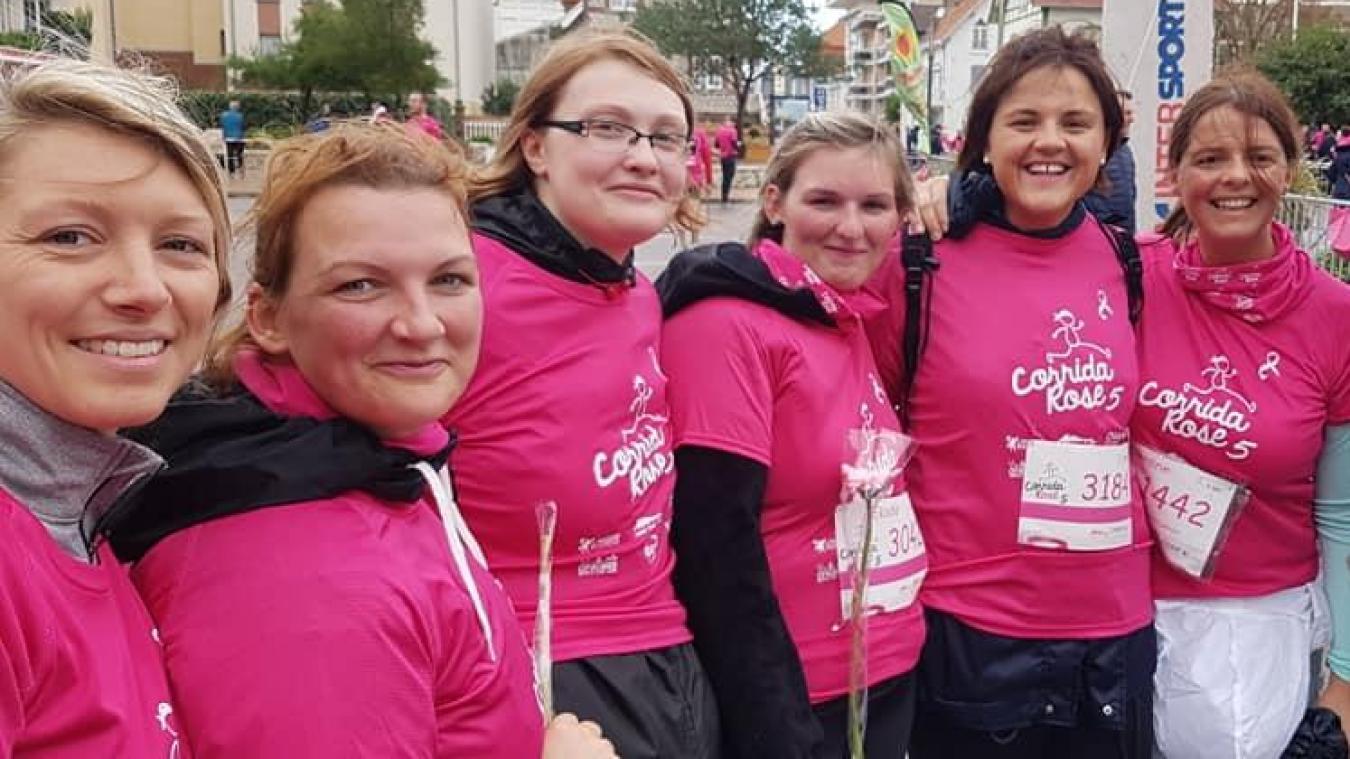 Des Étaploises étaient présentes dimanche 6 octobre, au Touquet, à l'occasion de la Corrida rose. On devrait les retrouver ce samedi 12 octobre, à Étaples-sur-Mer pour une marche rose.