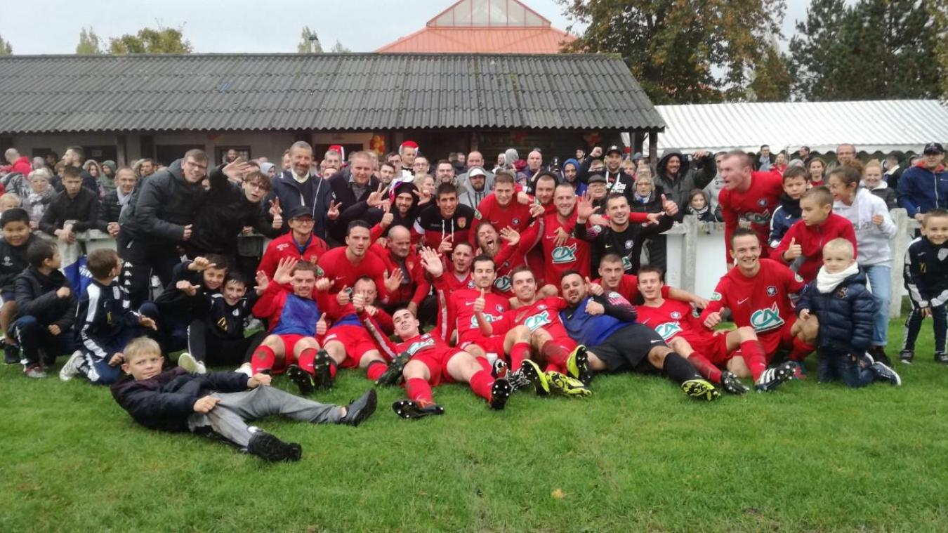 Depuis leur victoire face à Longueau, les footballeurs du FC Verton sont sur un petit nuage