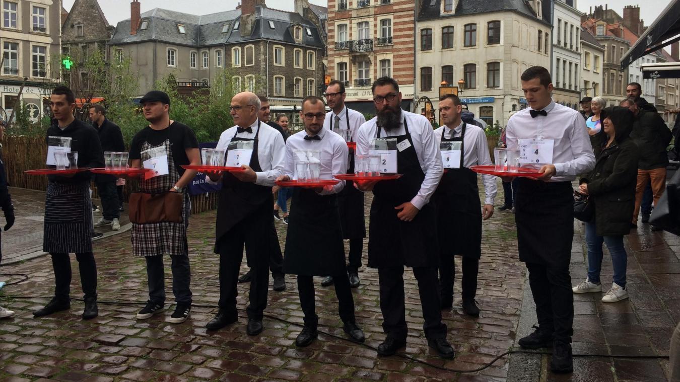 À Boulogne-sur-Mer, les garçons de café ont battu le pavé