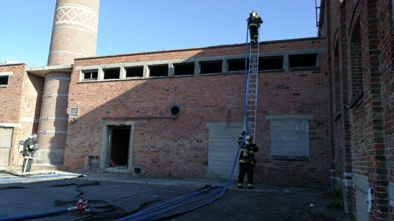 Les pompiers volontaires sont formés comme des professionnels