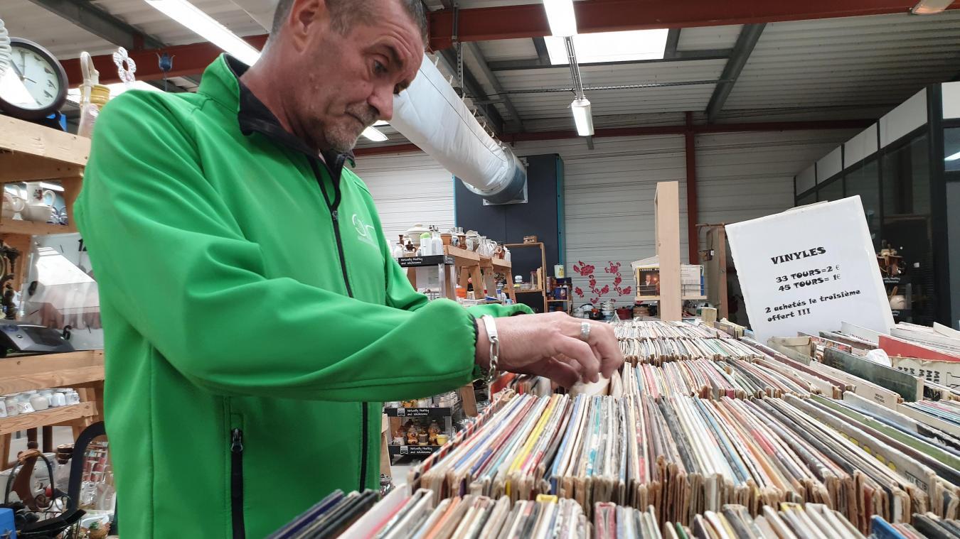 Pour Philippe de la Ressourcerie, « depuis que le vinyle est revenu à la mode. On voit de plus en plus de collectionneurs. Forcément, ici, c'est moins cher. »