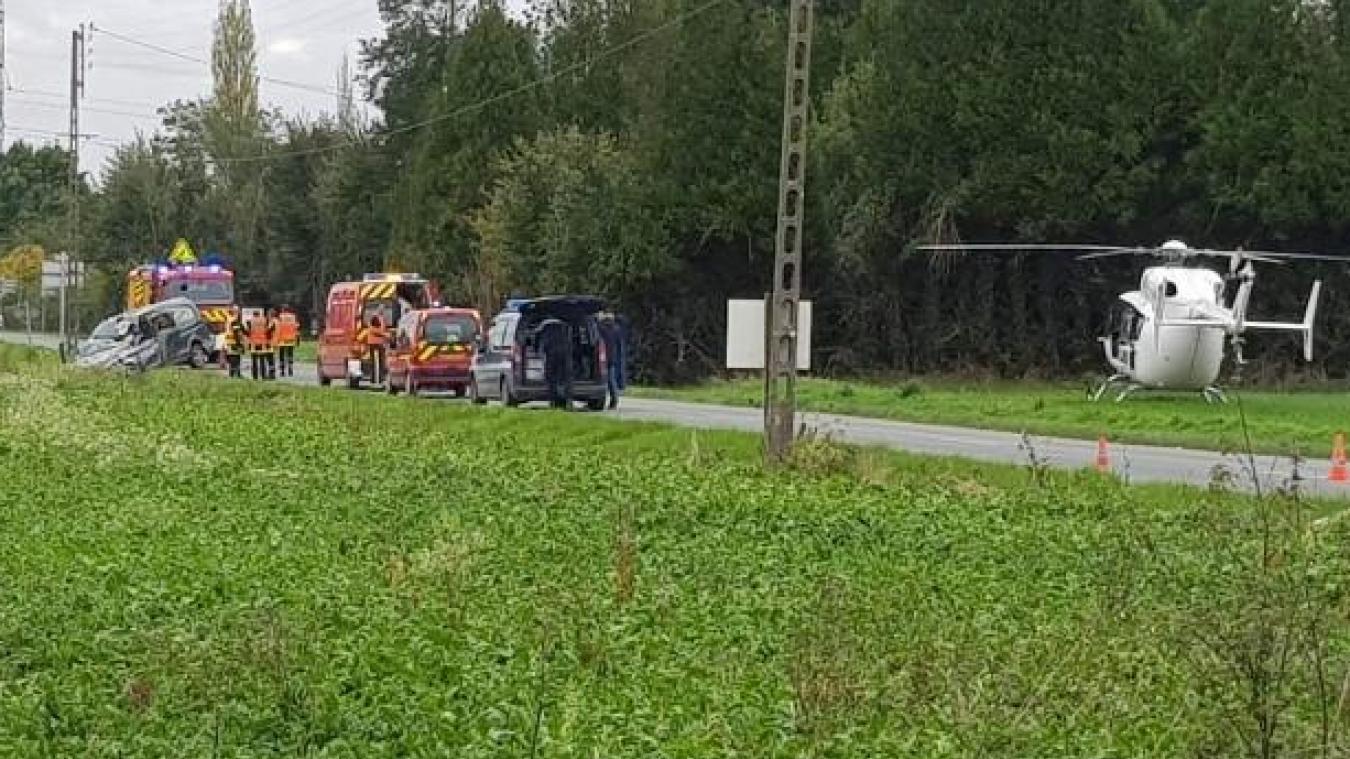 Un hélicoptère du Samu a été dépéché sur les lieux de l'accident.
