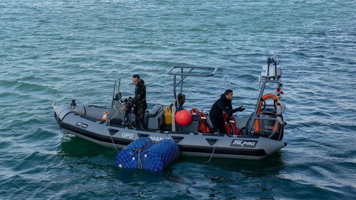 Le groupe de plongeurs démineurs de la Marine Nationale a emmené la bombe de 250 kg au large de Boulogne-sur-Mer, dimanche 6 octobre, dans l'après-midi.