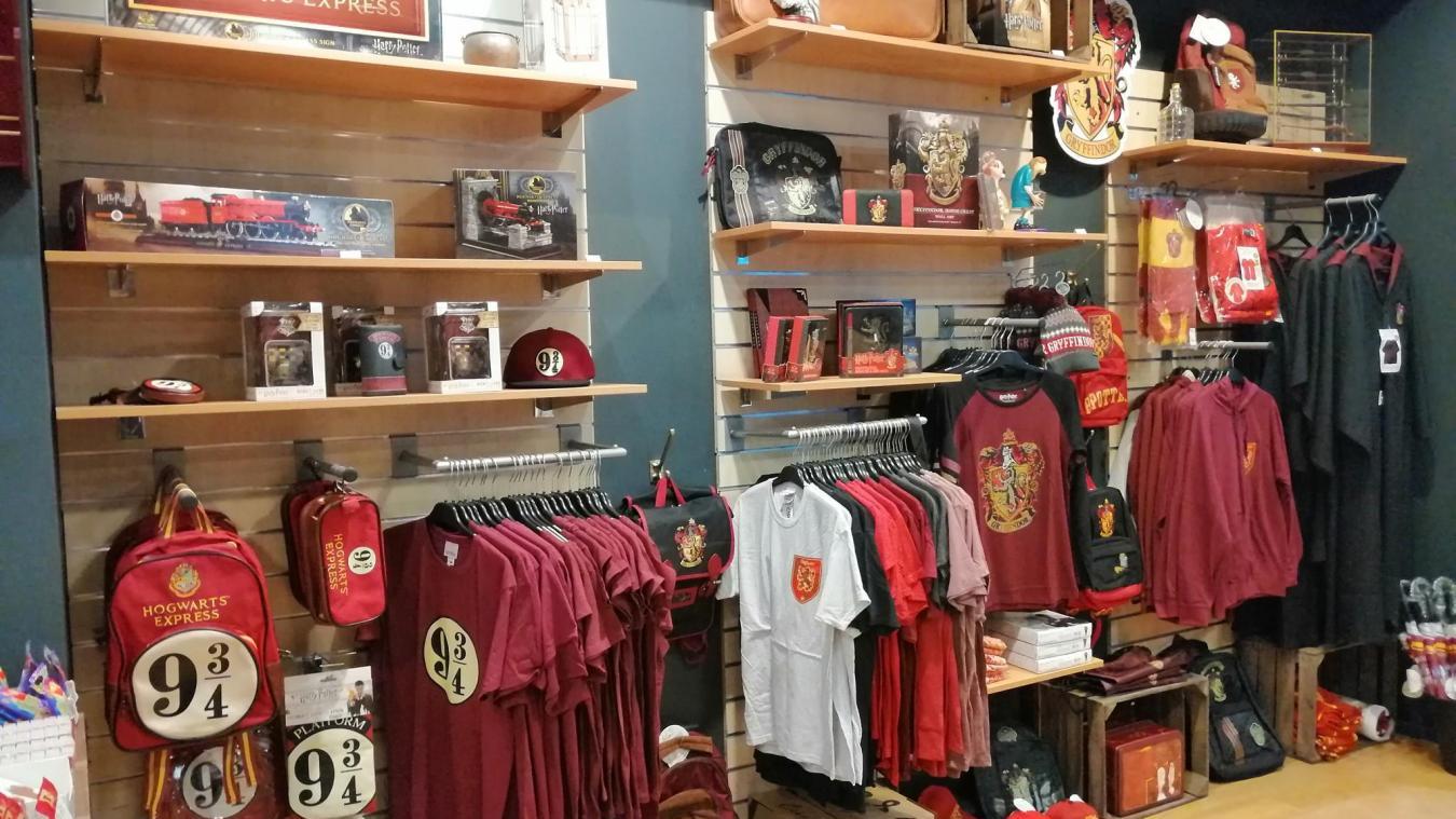 La boutique de Calais est entièrement dédiée à l'univers Harry Potter.