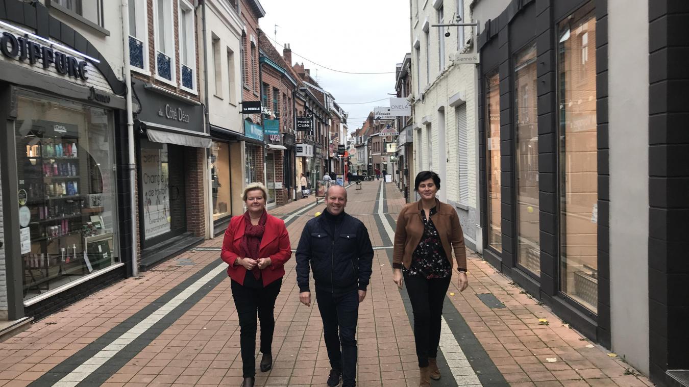 Priscilla Damman, David Lesage et Mery Six se réjouissent de voir le rue Piétonne retrouver du dynamisme.