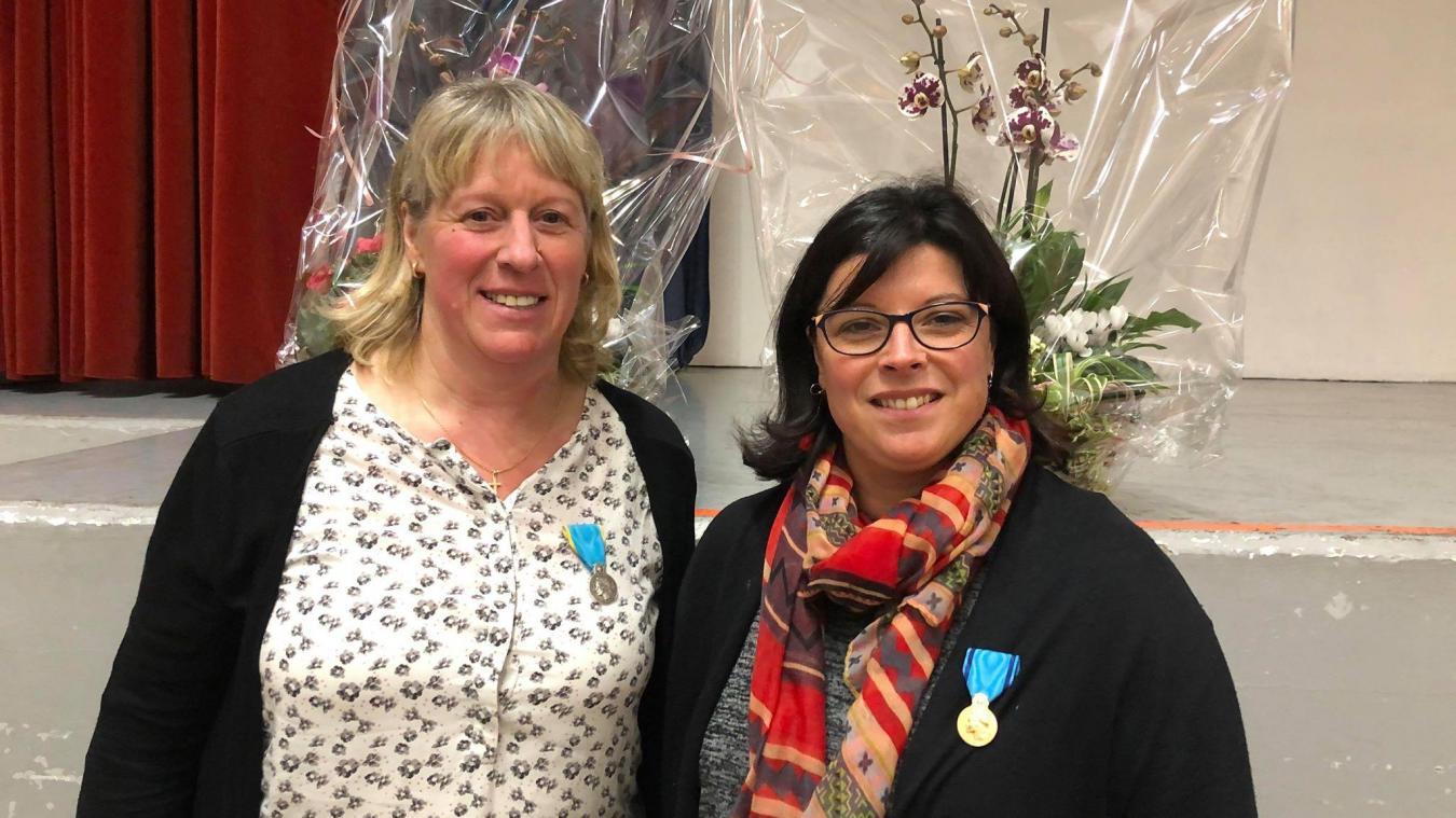 La médaille de la jeunesse et des sports échelon bronze a été remise à Johanne Havet pour 40 ans de services rendus et à Marie-Christine Deheane pour 29 ans. L