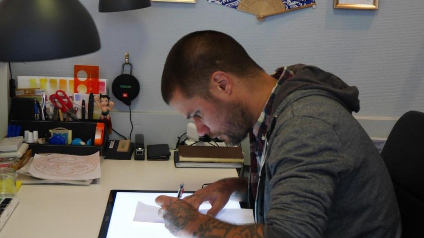 L'art du tatoueur est ciblé sur le Japon. Une technique minutieuse qu'il a su acquérir.