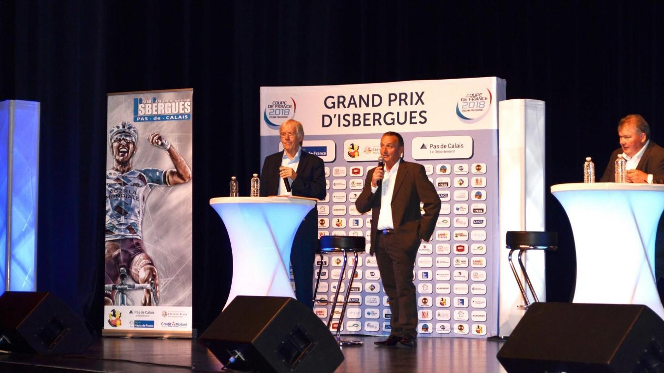 Jean-Claude Willems, ici aux côtés de Daniel Mangeas à l'occasion de la présentation du Grand prix d'Isbergues.
