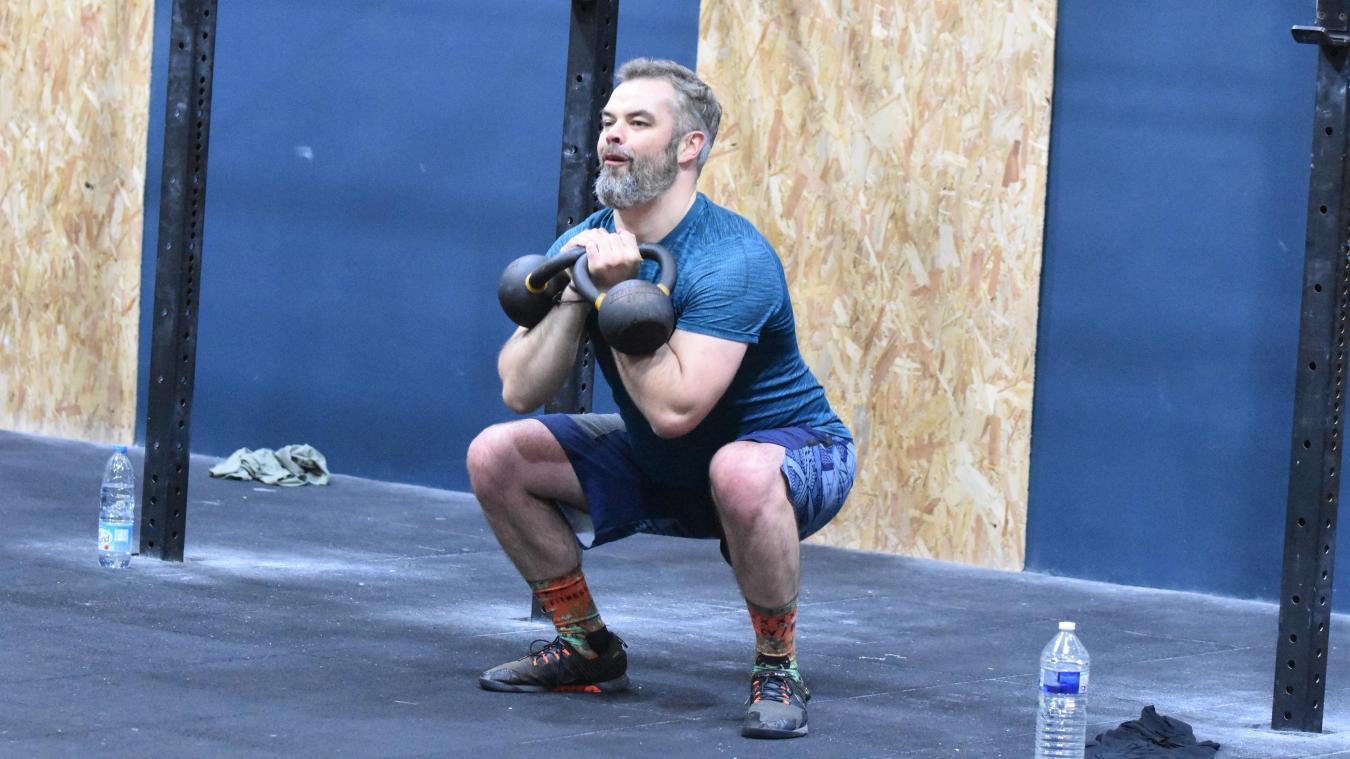 Le CrossFit mêle à la fois la gymnastique, l'haltérophilie et le cardio. À venir pratiquer à Bailleul !
