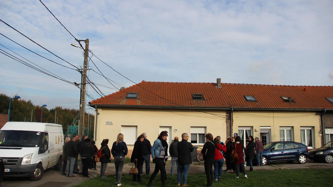 Auchel: mobilisés pour empêcher l'expulsion d'une famille