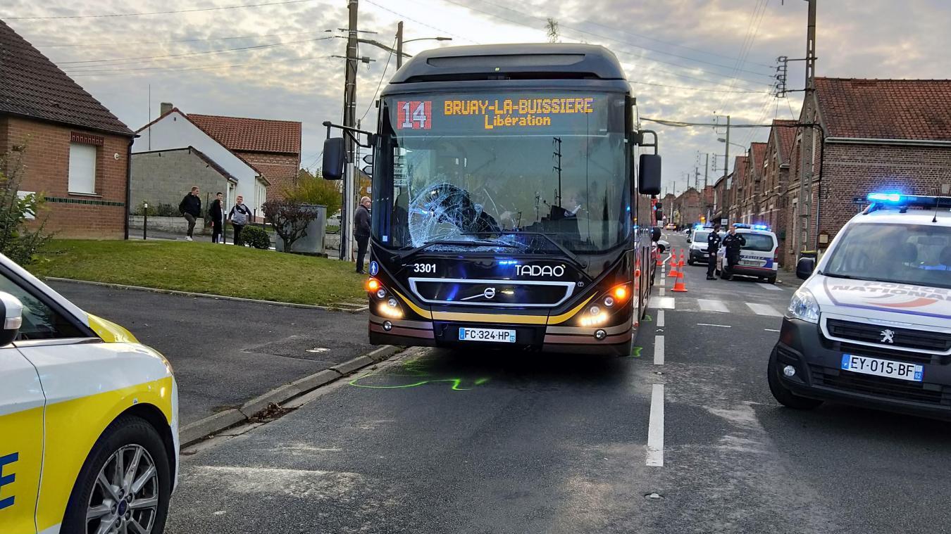 Marles-les-Mines : un adolescent percute un bus
