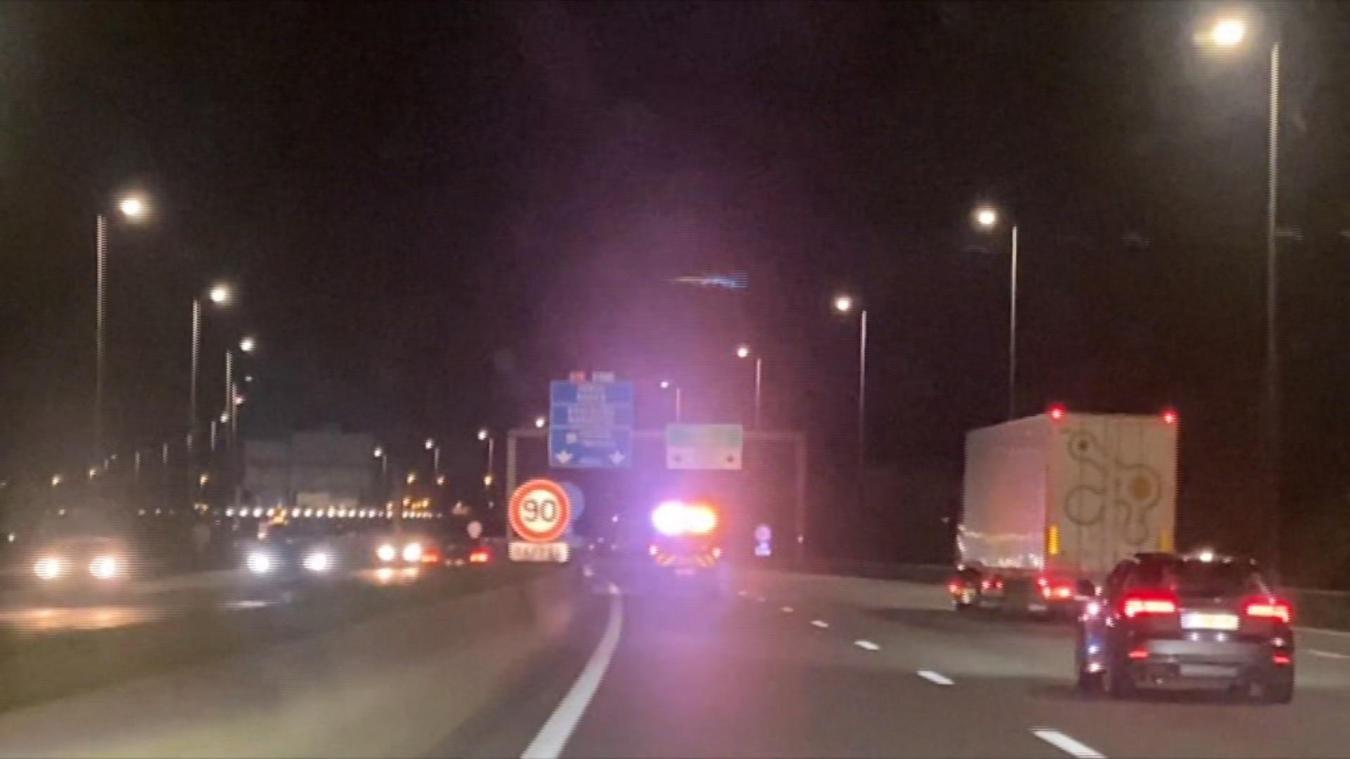 Un automobiliste remonte l'autoroute à contresens (vidéo)