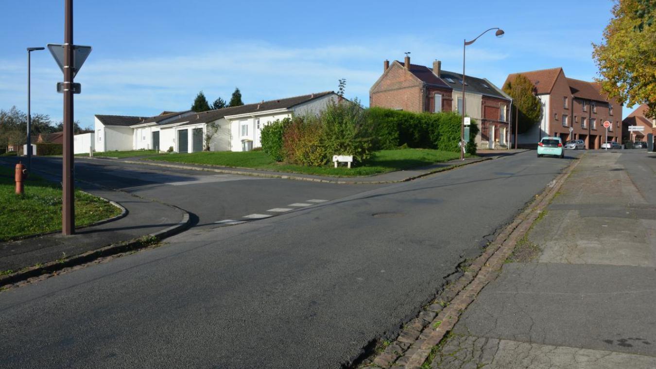 A partir de la rue des écoles seuls les bus et les cyclistes pourront continuer.
