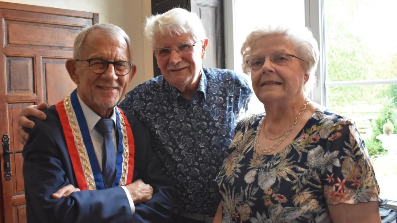 Le maire a donné rendez-vous aux époux Delvart dans cinq ans, pour leurs noces de palissandre.