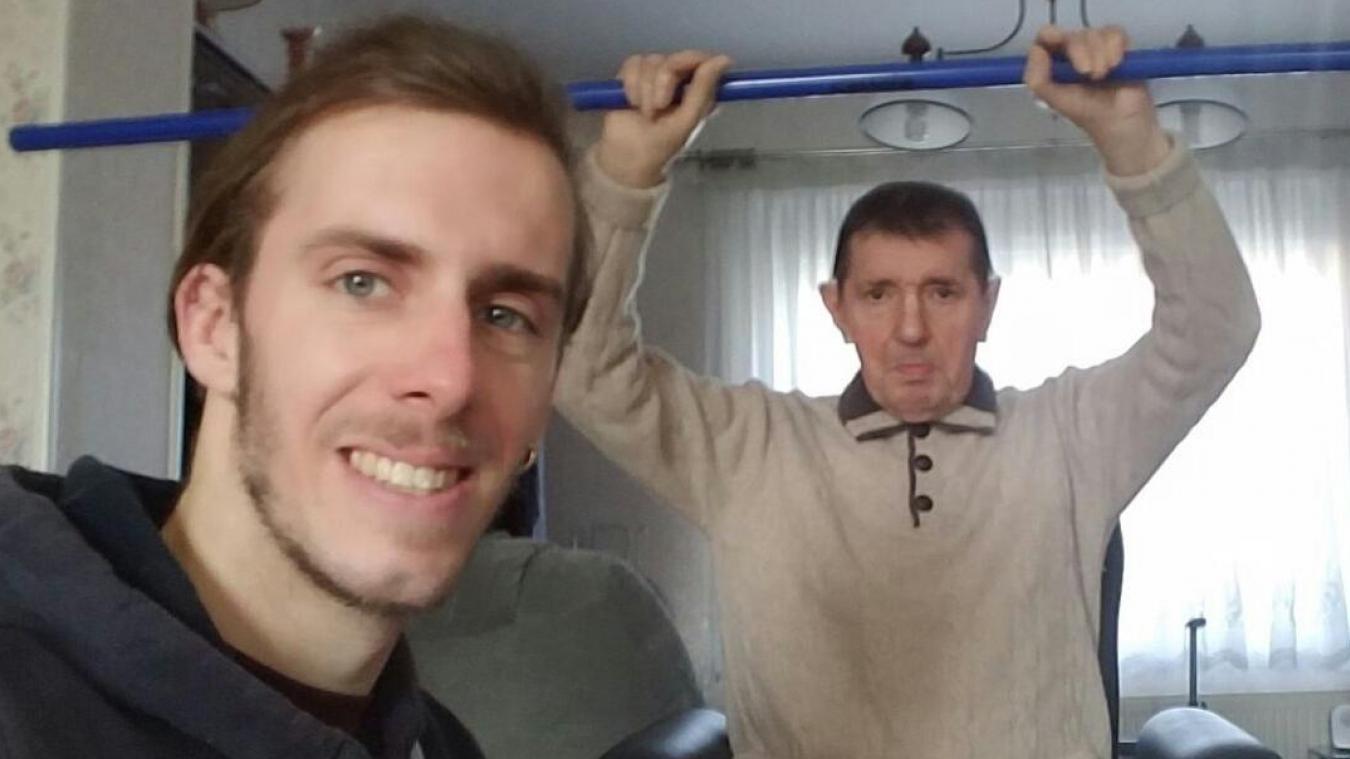 Marc, ici au domicile d'un client à mobilité réduite.