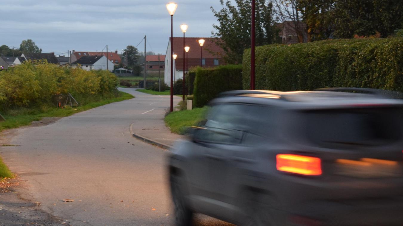 Certains automobilistes ne sont pas à 50 km/h dans la rue des Colombes...