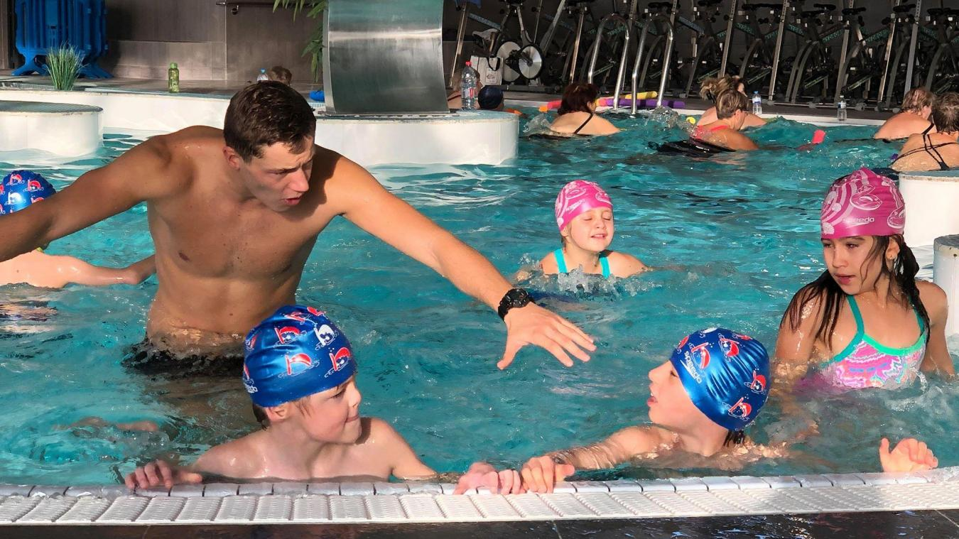 Ils apprennent à nager grâce au secours populaire (photos et vidéo)