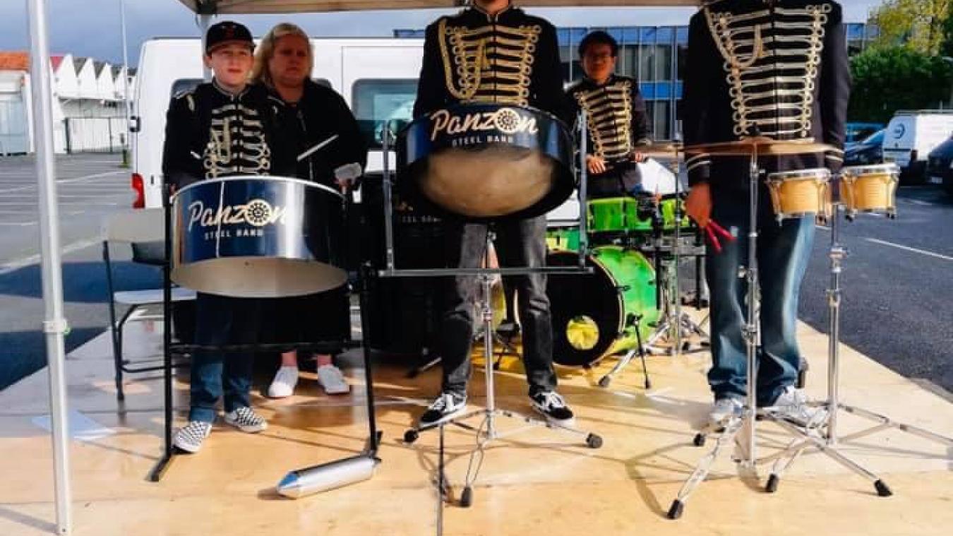 Des musiciens qui font vibrer les tonneaux à Merville