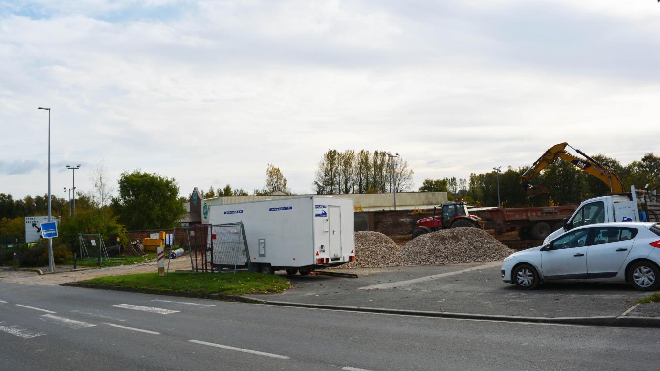 Les anciennes cellules commerciales ont été détruites la semaine dernière.