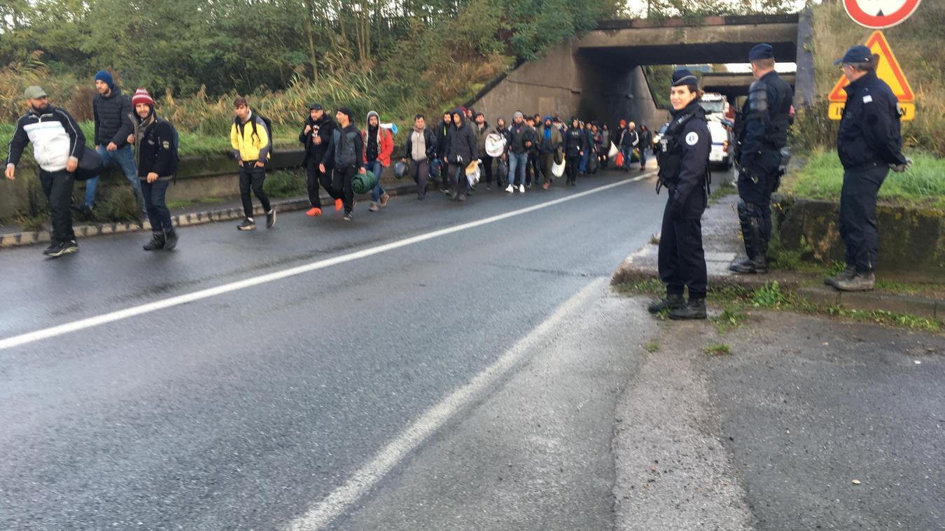 Les réfugiés ont quitté, ce lundi matin, les abords de Grande-Synthe dans le calme.