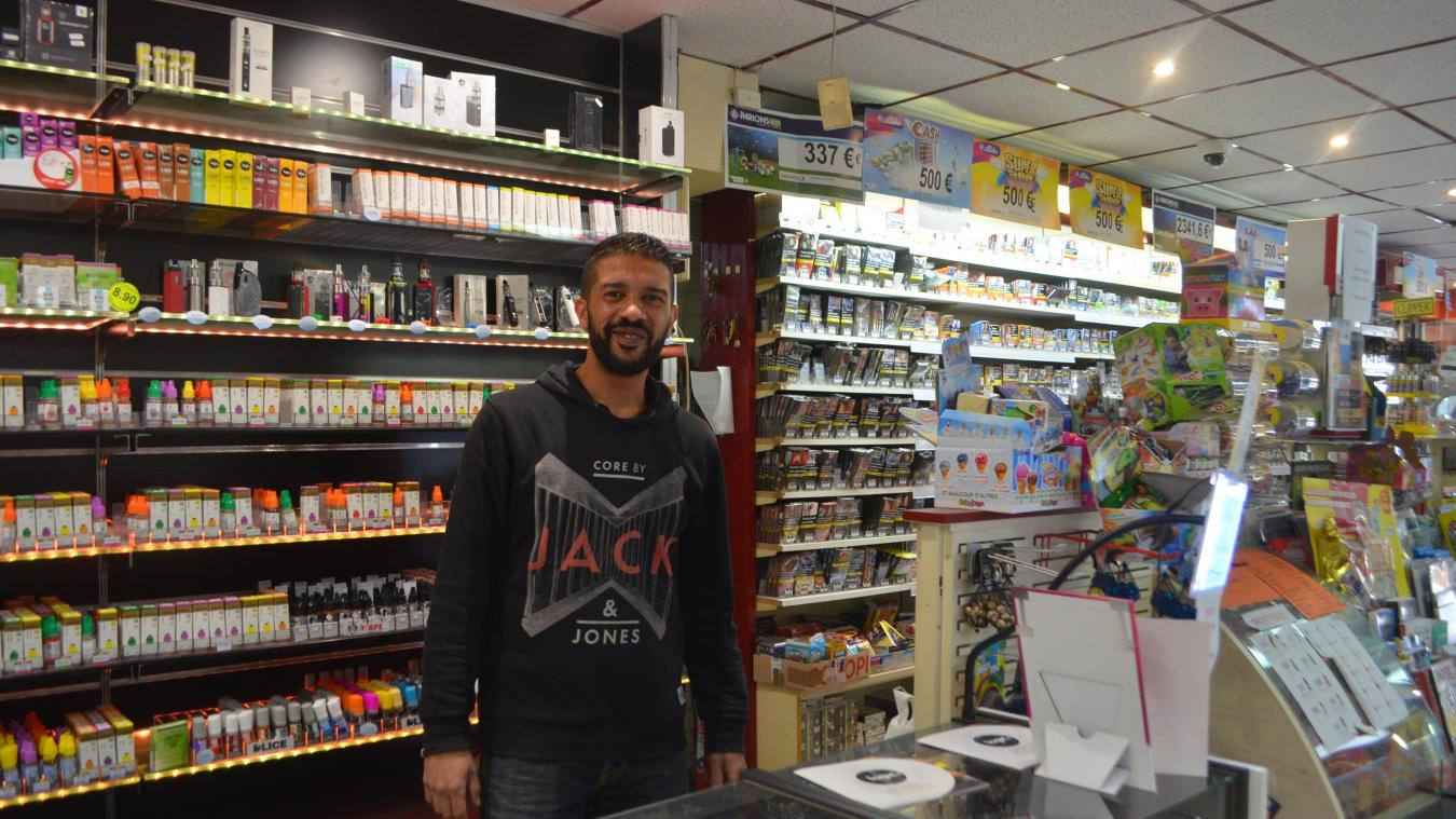 Julien, comme tous ses collègues du café-tabac Le Cygne vont aller en formation avant de devenir « agents postaux » au relais de la Poste qui ouvrira le 14 novembre prochain.
