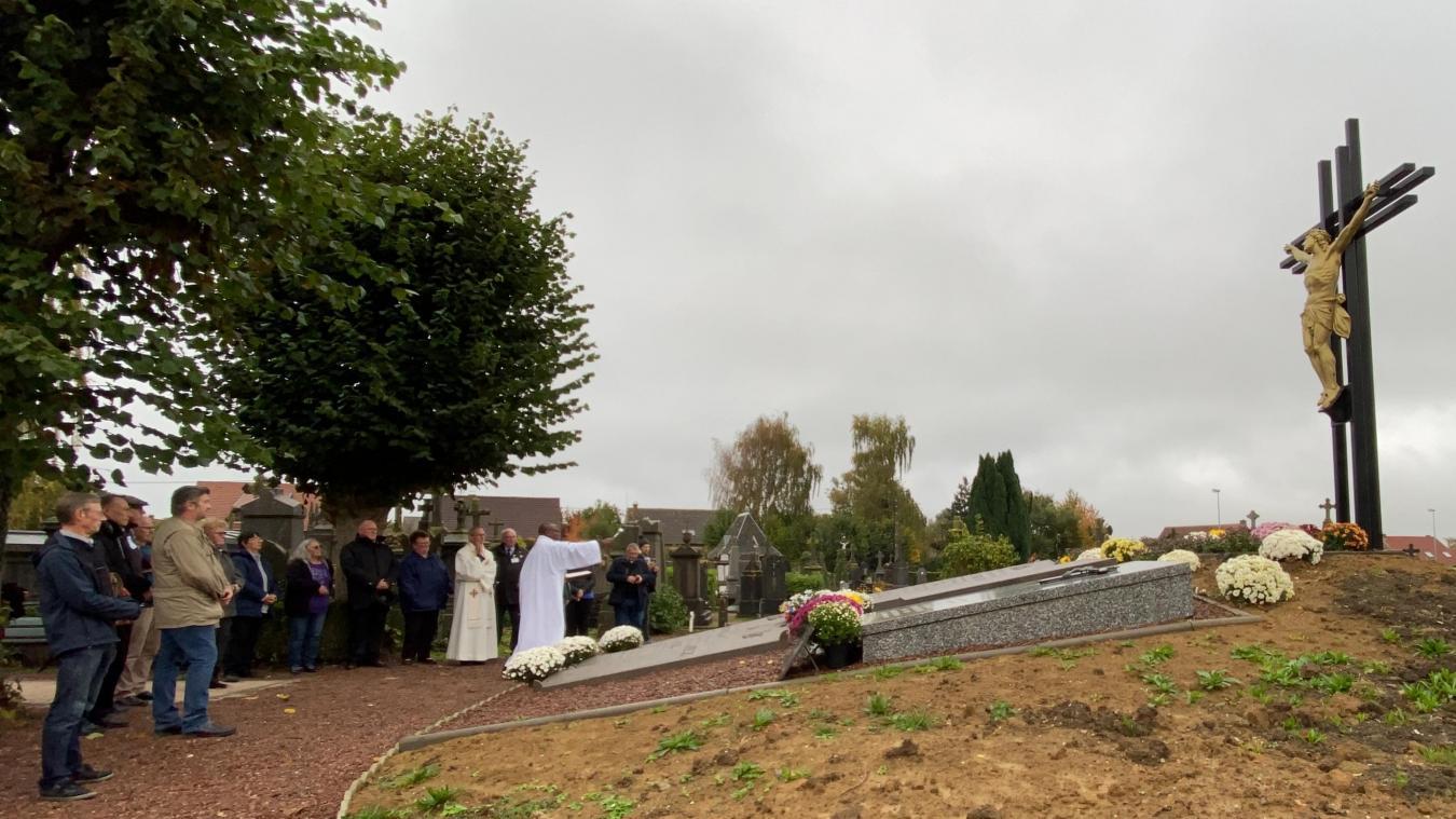 Le calvaire revenu, l'association se penche sur la restauration des 14 chapelles-stations qui l'entourent.