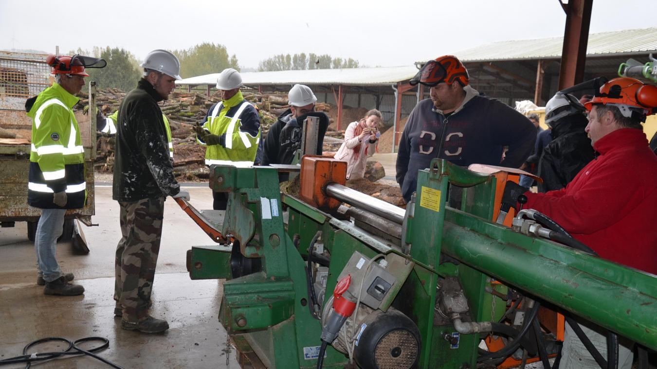 Les salariés de l'entreprise d'insertion calaiso-audomaroise utilisent du matériel qui a coûté plus de 200 000 euros à la collectivité. Ils acquièrent ainsi de nouvelles compétences pour retrouver un emploi, durable lui-aussi, comme l'action qu'ils mènent.