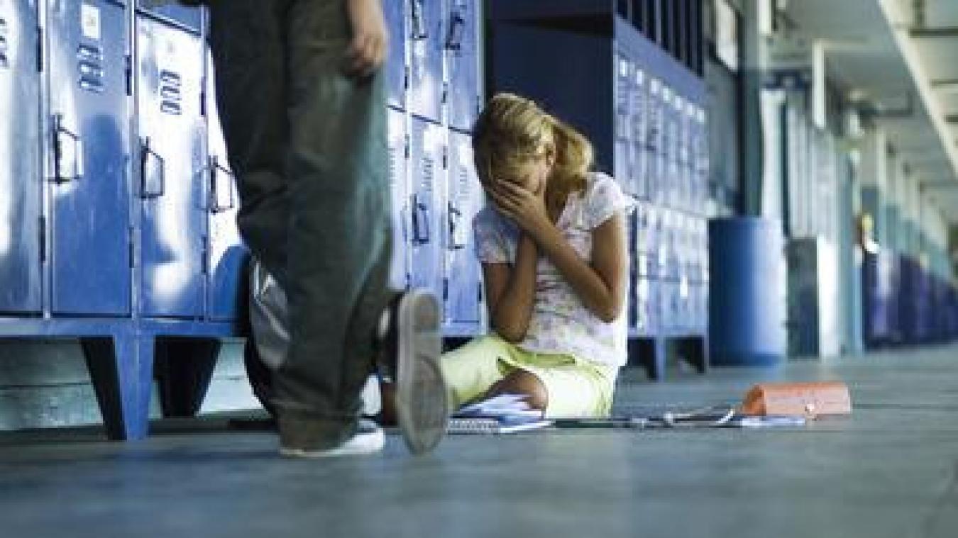 Pour prévenir le harcèlement scolaire, le commissariat de Boulogne-sur-Mer propose aux établissements de faire appelle à un agent de police un peu particulier. La correspondante police sécurité école, ou référente scolaire rattachée au commissariat, intervient dans les écoles.