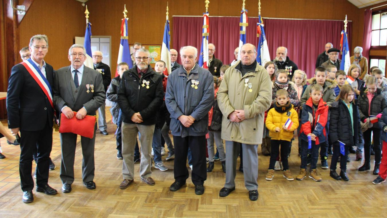 La cérémonie a réuni anciens combattants, écoliers et parents.
