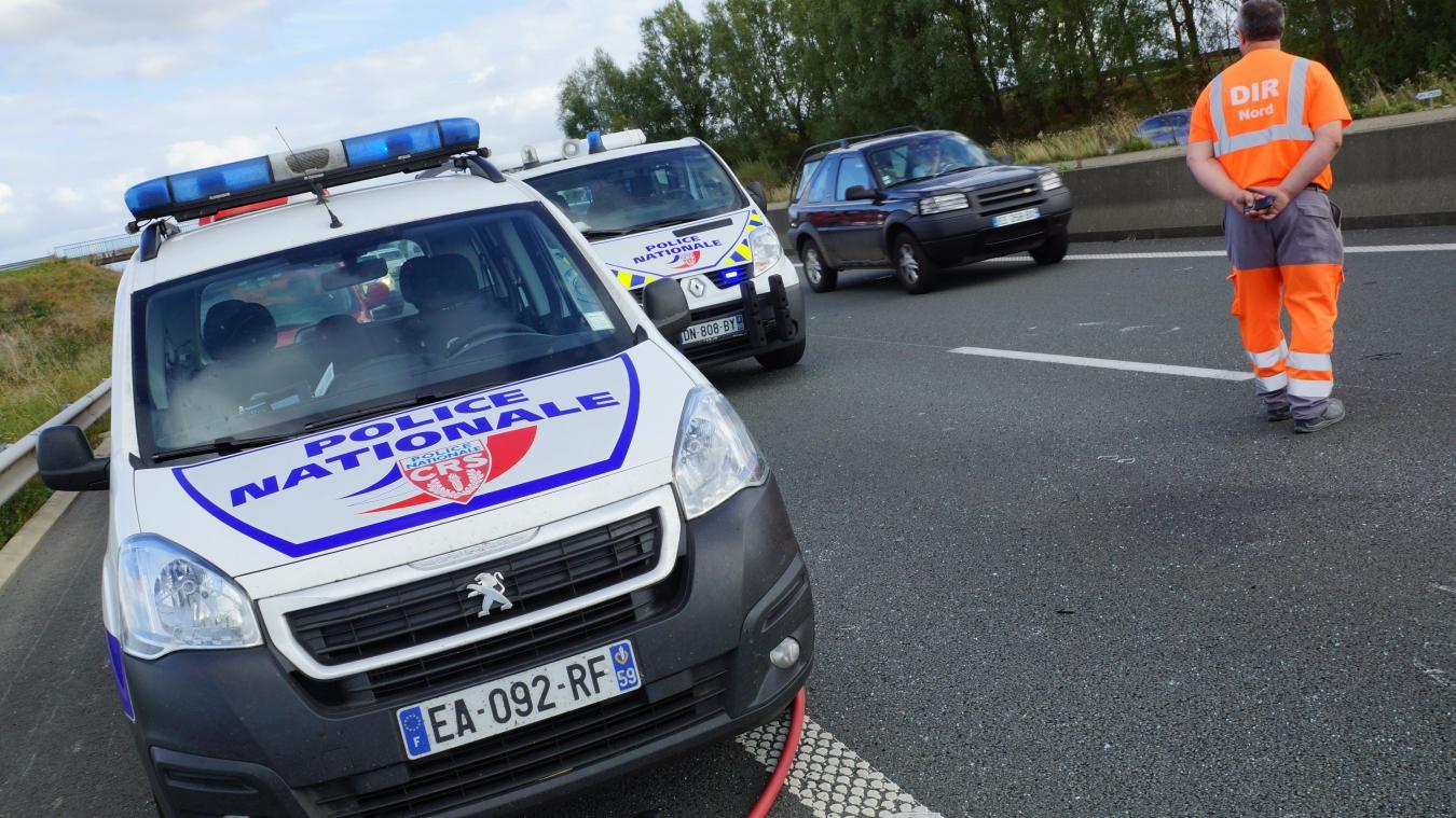 Grande-Synthe : accident sur l'A16 entre un bus et une voiture - Le Phare dunkerquois