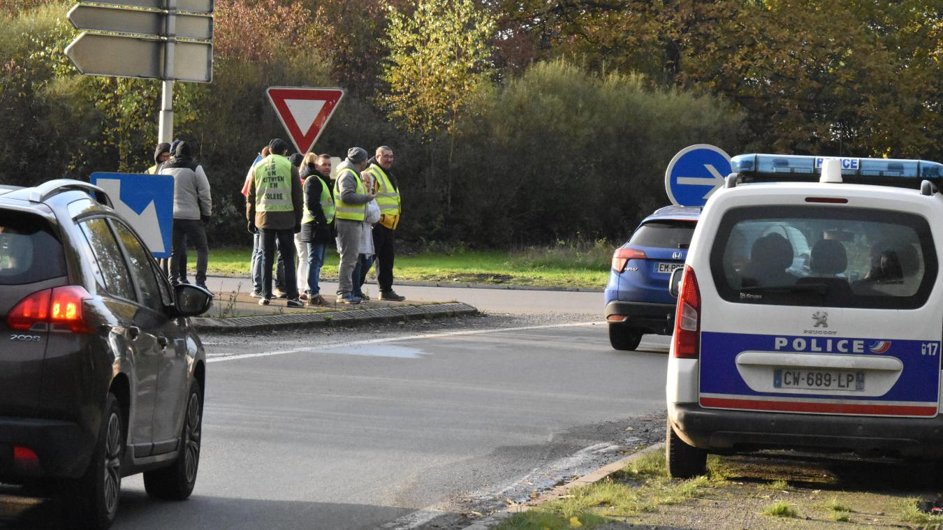 À Hazebrouck, les Gilets jaunes de retour au rond point de la Creule - L'Indicateur des Flandres