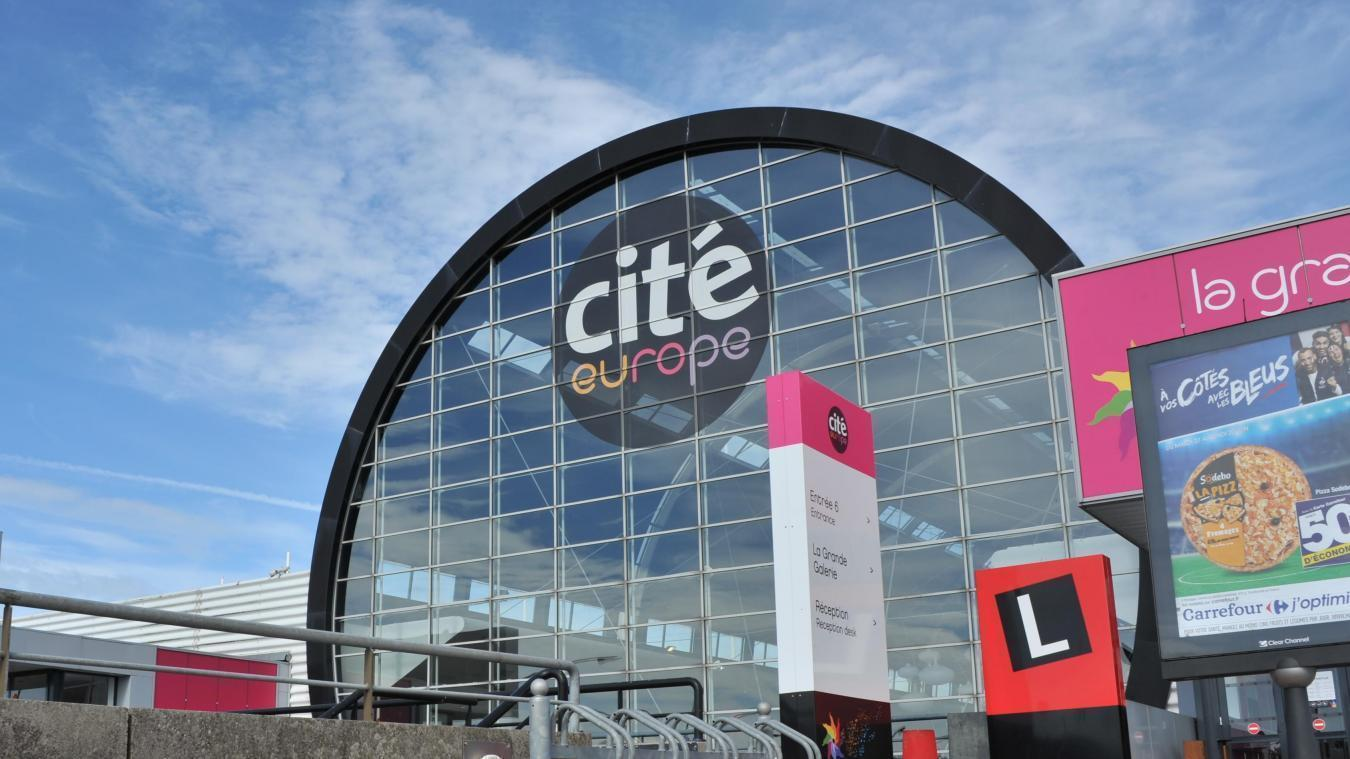 Une boutique propose un poste de vendeur ou de vendeuse en CDI à Cité Europe