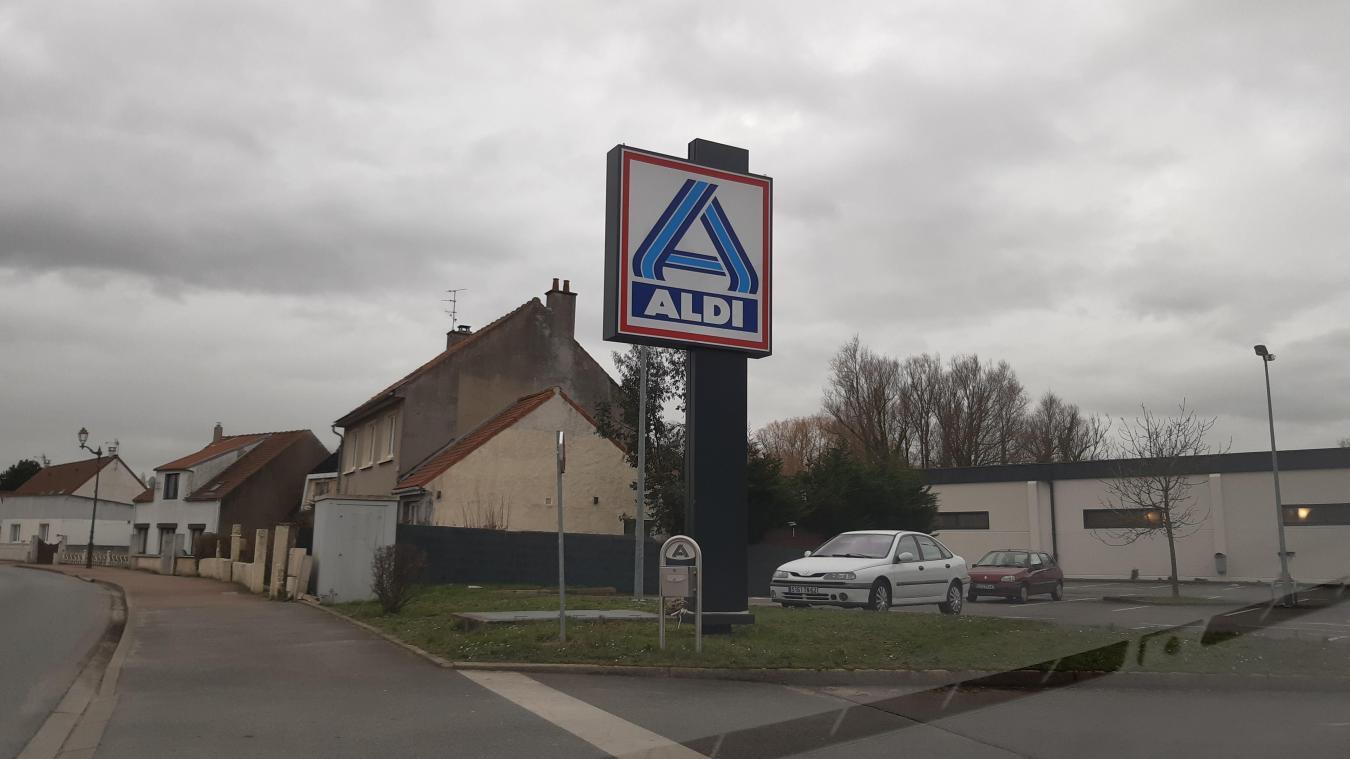 Les faits se sont produits en grande partie sur le parking de Aldi.