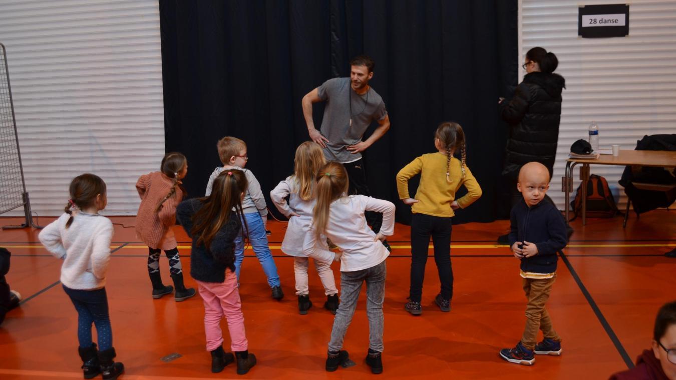 Une initiation à la danse était proposée aux plus jeunes.