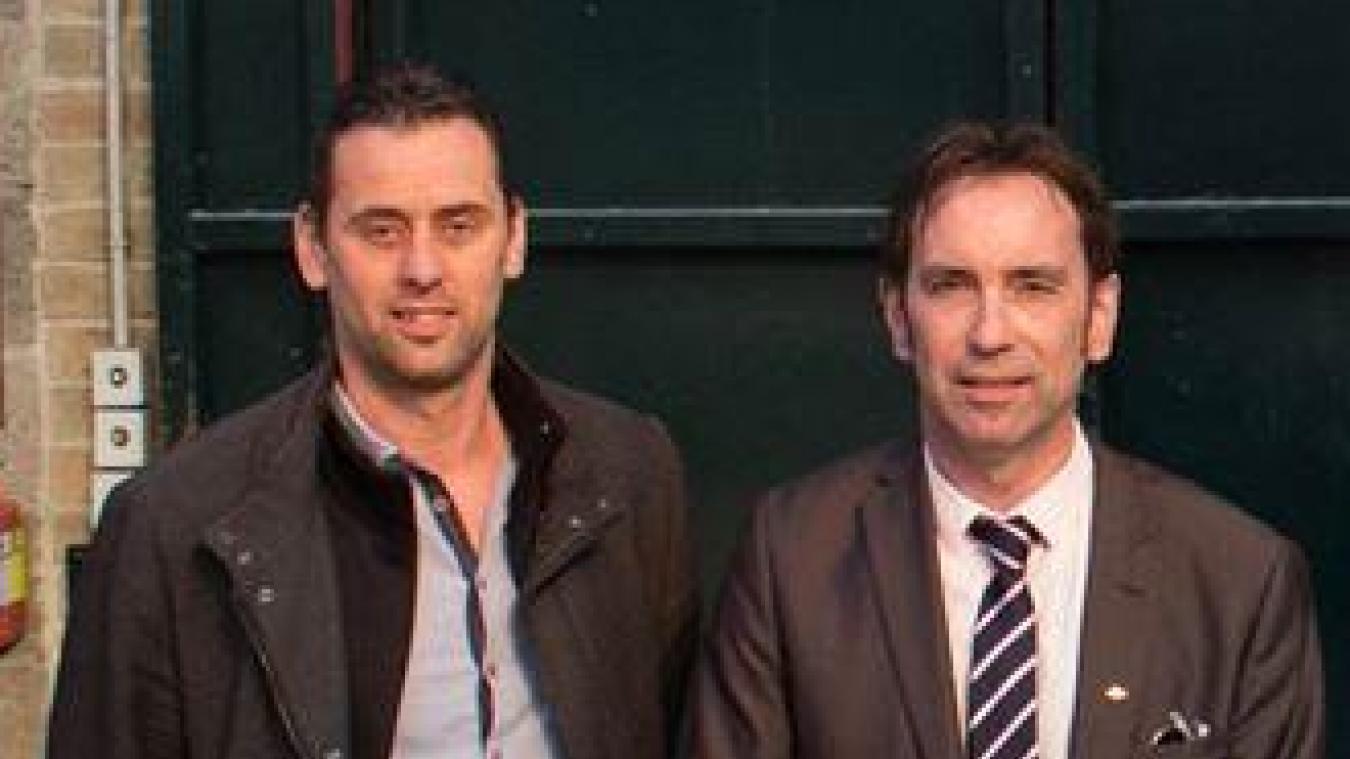 Claude Fournier (à gauche) quitte la liste du maire Sony Clinquart.