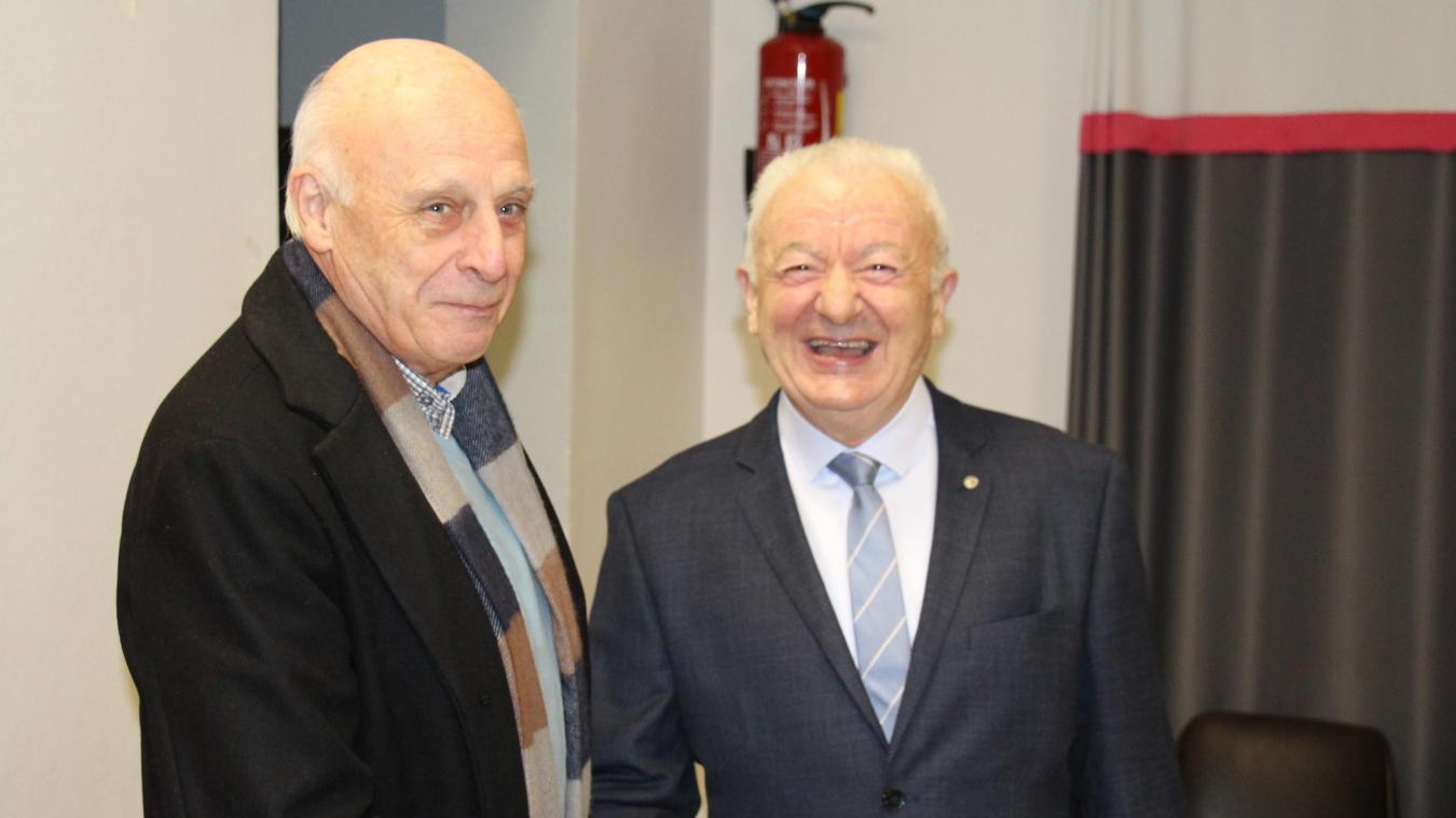Michel Fournier (à droite) est maire de Menneville depuis 2001.