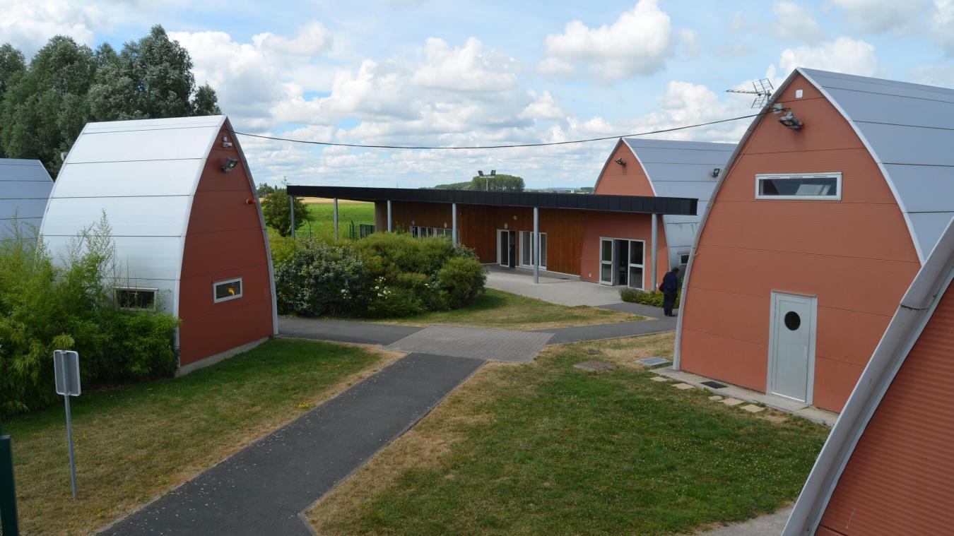 Le centre éducatif fermé de Saint-Venant, près de Béthune, existe depuis 2006. Il s'étend sur 5 000 m².