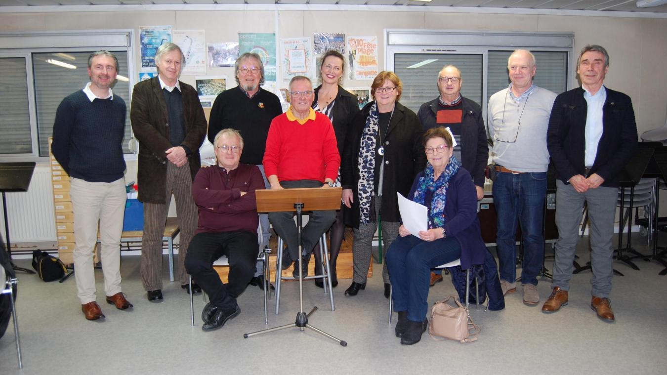 La fidèle équipe de Comb'Opale réunie autour de Thérèse Dupuy, adjointe aux associations.