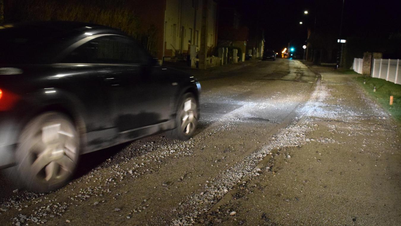 L'enrobage de la rue se fera en une seule et même journée. Conséquence : la route sera entièrement barrée.