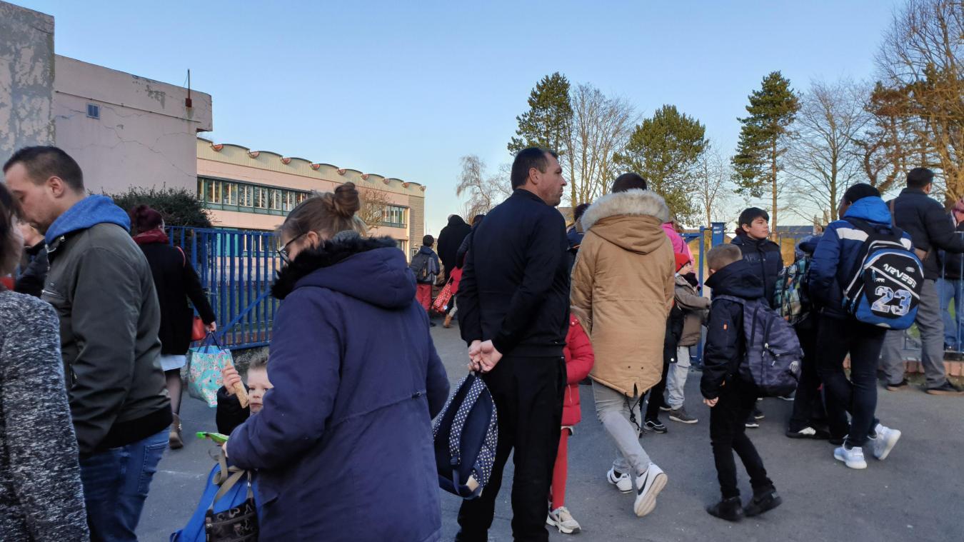 Le boulevard des écoles doit être sécurisé très prochainement. Les parents prennent leur mal en patience.